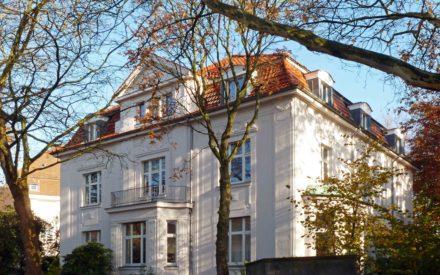 Mansarddach, Erdgeschoss mit Erker
